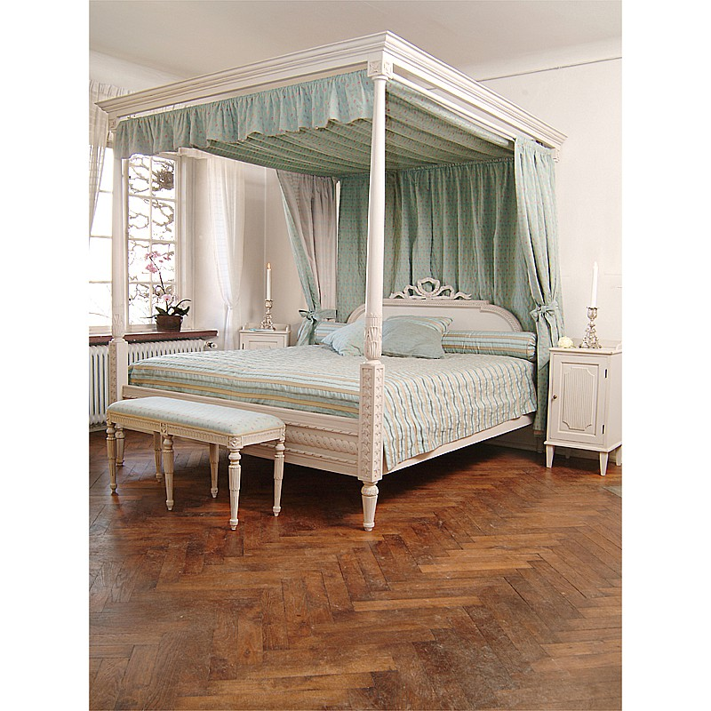 . Gustavian Canopy Bed   reproduction